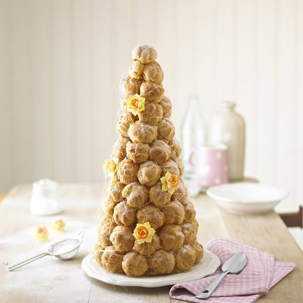 Profiterole Spun Sugar Wedding Cake